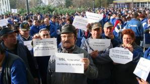 400 de salariaţi ai Oltchim, din nou la proteste