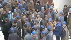 Hunedoara: Un miner de la Lonea, internat în spital după ce a căzut cărbune peste el