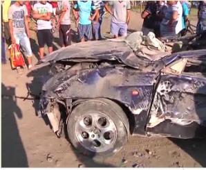 Doi tineri din Galaţi au murit după ce maşina în care se aflau a intrat într-un club de biliard