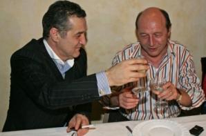 Gigi Becali, la petrecere cu Traian Băsescu