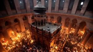 Lumina Sfanta se aprinde singura la Ierusalim
