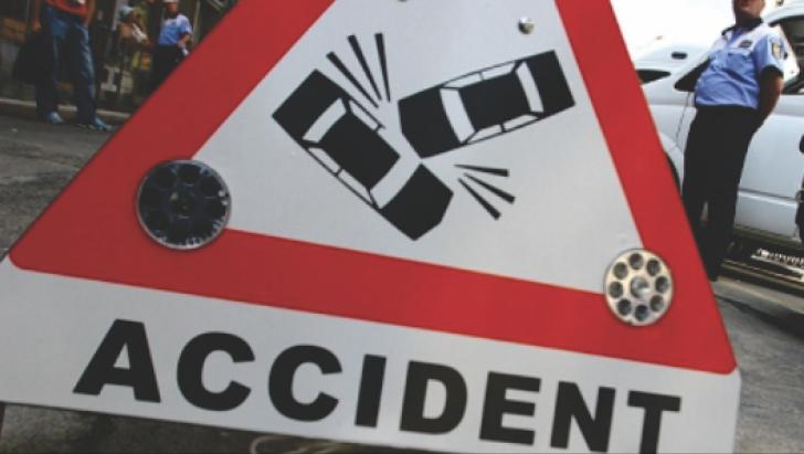 ACCIDENT cu doi MORŢI pe DN7: O maşină a intrat sub un TIR