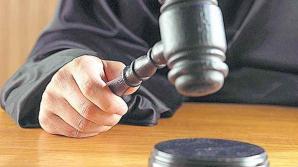 Agent de poliţie din Vâlcea, deferit justiţiei pentru trafic de influenţă şi abuz în serviciu