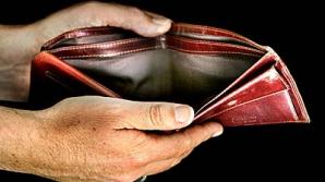 Românii nu se mai descurcă cu salariul