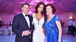 Bianca Drăguşanu, alături de părinţii ei