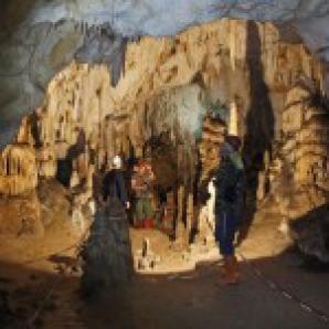 În peștera Vârtop a fost găsită URMA piciorului unui neanderthalian, veche de 62.000 de ani