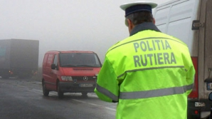 Poliţişti, trimişi în judecată deoarece nu amendau şoferi care încălcau legea