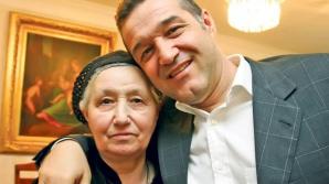 Gigi Becali, alături de mama sa, Alexandra
