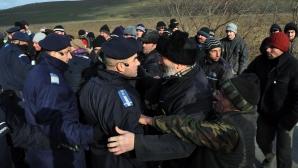 PROTESTE VIOLENTE PUNGEŞTI Ponta: Nu vom accepta să se încalce legea. Acţiunile jandarmilor, legale / Foto: MEDIAFAX arhiva
