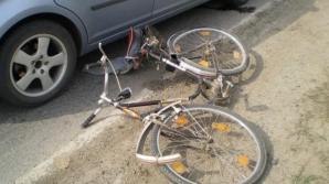 Biciclist rănit grav de un șofer care conducea cu parbrizul înghețat