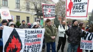 Peste 200 de oameni au ieşit în stradă la Cluj pentru susţinerea protestatarilor de la Pungeşti