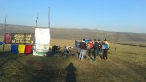 20 de săteni din Pungeşti, în GREVA FOAMEI contra gazelor de şist