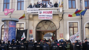 Protest la Cluj, la sediile partidelor FOTO: Roşia Montană in Unesco World Heritage