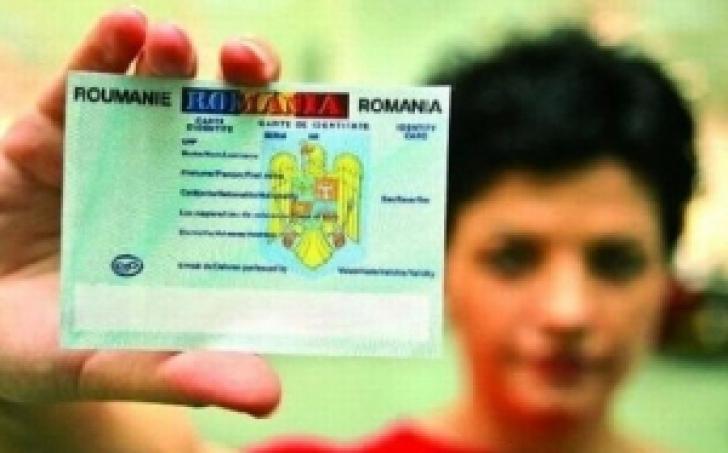 Din 1 aprilie 2014 vom primi opţional cartea electronică de identitate, putem alege un buletin standard în noul format
