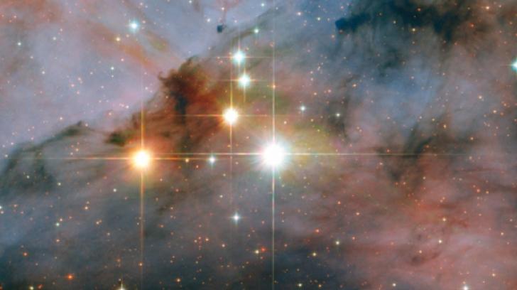 Telescopul Hubble a detectat apă în atmosfera a cinci exoplanete