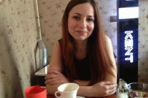 Ancuta, frumoasa care-i inchide pe turistii straini intr-o temnita a Clujului
