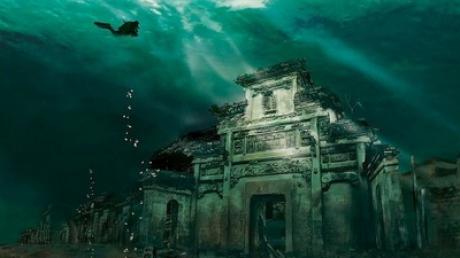 Atlantida în versiune chineză: Oraşul păstrat intact la peste 40 de metri sub apă