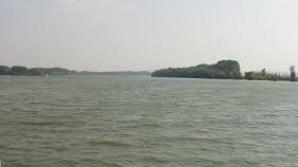Cadavrul unui bărbat, găsit plutind pe Dunăre