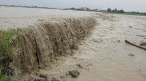COD PORTOCALIU de inundaţii, până vineri seara
