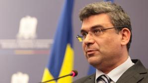 Baconschi: De azi nu mai e nicio urmă de Traian Băsescu în PDL; Salut venirea Elenei Băsescu în PMP