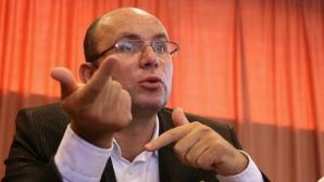 COZMIN GUŞĂ: Ponta se face de râs prin anunţul legat de retragerea din politică