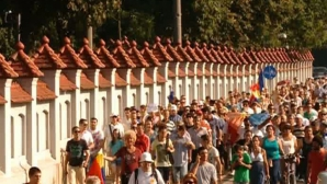 Iohannis: Plimbarea de la Cotroceni, un protest NEAUTORIZAT. Jandarmeria trebuia să fie acolo