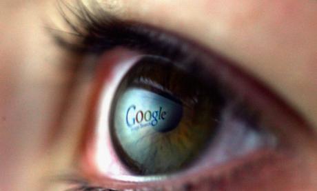 DOVADA că Google ne SPIONEAZĂ! Cum poţi vedea cum eşti urmărit pas cu pas, prin telefon