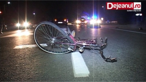 ACCIDENT TERIBIL: Biciclist, spulberat de o maşină
