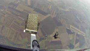 A sărit de la 3.000 metri cu vioara în mână