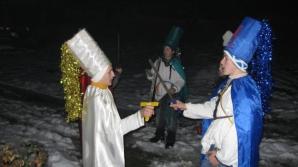 Obicei spectaculos de Crăciun practicat de sute de ani în satele din munții Apuseni