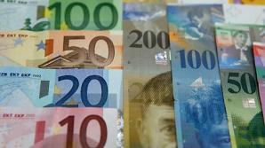 Francul elvețian, bolovanul legat de piciorul a 200.000 de români