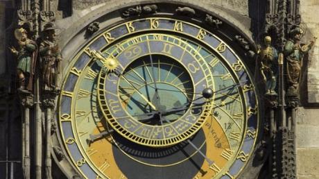 Cât de îndepărtat este sfârșitul lumii? Ceasul Apocalipsei, dat înainte cu două minute