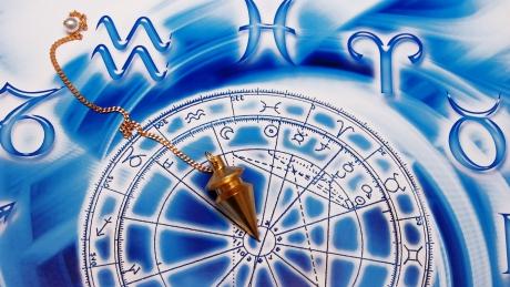 Horoscop luna martie 2015. Ce cumpene te aşteaptă