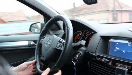 Şoferii care nu beau suficientă apă, comit aproape aceleaşi greşeli ca cei care au băut alcool