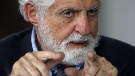Chimistul Carl Djerassi, unul dintre creatorii pilulei contraceptive, a murit