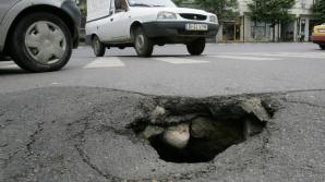 Protest inedit contra gropilor din asfalt. Nimeni nu-i credea în stare de aşa ceva!