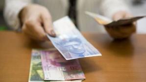 Francul elvețian, tras în jos de politica Băncii Elveției