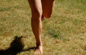 Căldură mare! Jogging în pielea goală, în centrul Constanţei! Reacţia fabuloasă a şoferilor