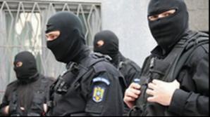 Percheziţii în Bucureşti şi Ialomiţa, la persoane suspectate de trafic de minori şi proxenetism