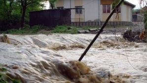 Cod Roşu de inundaţii, până la ora 12:00