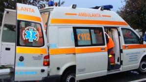 Bărbatul care şi-a secţionat organul genital a fost transportat de urgenţă la spital.