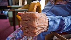 O nouă metodă de înşelăciune face victime printre pensionari. Cum funcţionează