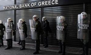 Grecia, sub asalt