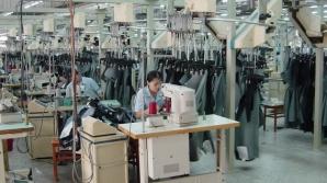 Sclavie într-o fabrică de haine de firmă din Iaşi. Muncitoarele, nevoite să poarte scutece / Foto: Arhiva
