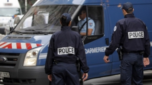 Turul Franţei. Incident armat la Paris. Un şofer furios a forţat un baraj al poliţiei