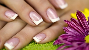 Amestecul care stimulează creșterea unghiilor
