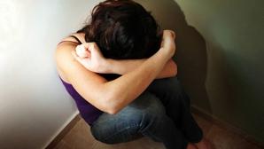 Caz cutremurător în Vâlcea. O tânără, bătută şi violată de un vecin de blov