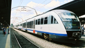 """Dosarul de corupţie din sectorul feroviar vizează lucrări de revizie la trenurile """"Săgeata Albastră"""""""