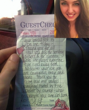 O chelneriţă a lăsat un mesaj pe un bon. După două ore, a deschis Facebook-ul şi aproape a leşinat!