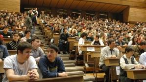 Peste 500 de locuri bugetate, rămase neocupate la universităţile din Cluj